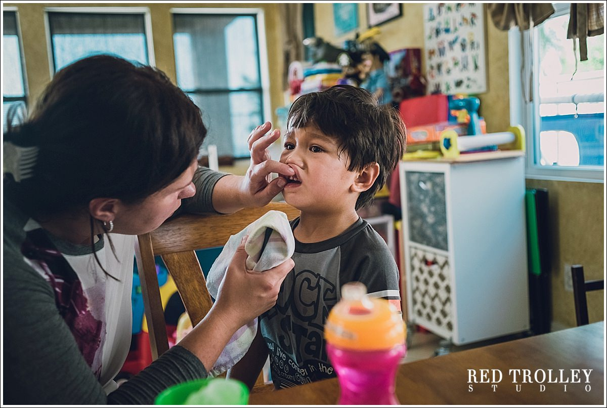 Day in the life photography session,Orange County Portrait photographer based in La Jolla,Red Trolley Photography,Red Trolley Studio,San Diego Portrait Photographer,family lifestyle photography san diego,family photography in the house,kids photography,
