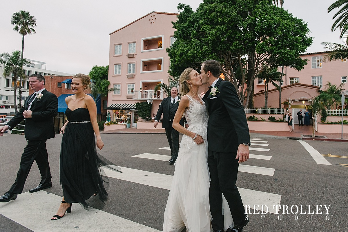 Wedding In La Valencia By La Jolla Wedding Photographers